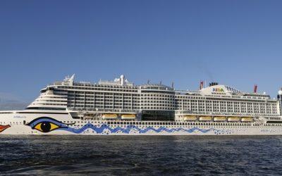 Ces navires, très laids, SOUILLENT notre environnement dans des proportions kolossales !!